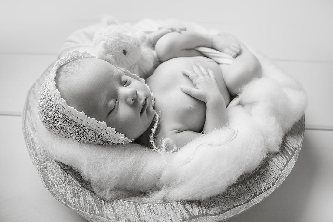 Clara-Newborn-064-sm