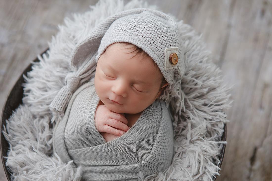 Grey-Newborn-069-sm