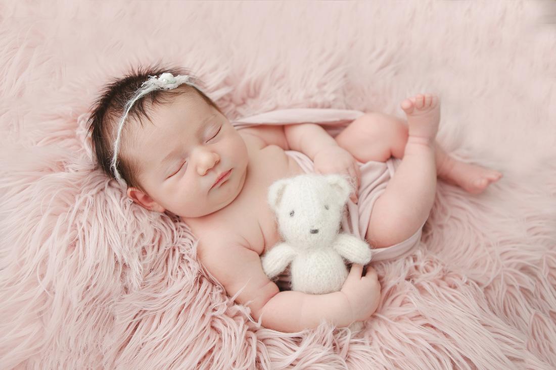 Isla-Newborn-012-sm