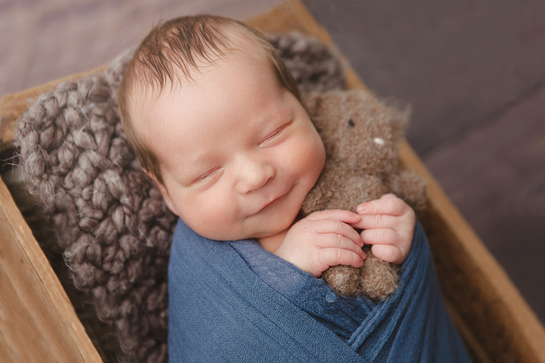 Sloan-Newborn-004-sm
